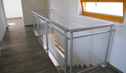 interiérové schodišťové zábradlí